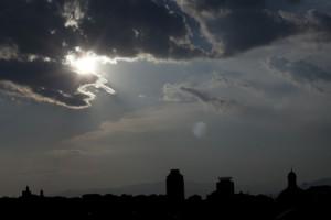 Skyline-panoramica-città-nuvole-D2