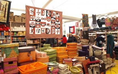 Macondo, la fiera del commercio equosolidale in piazza Matteotti