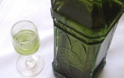 Liquore al basilico, la ricetta per preparare un ottimo digestivo