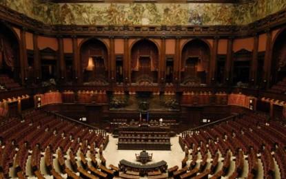 Il conflitto d'interessi non finisce con le dimissioni di Berlusconi