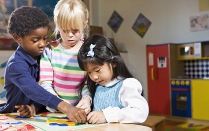 Pesaro, cittadinanza onoraria ai bambini figli di immigrati