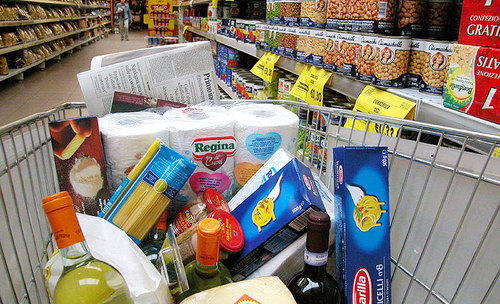 Offerte natalizie a Genova, anche i supermercati propongono i saldi