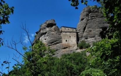 """Il Castello della Pietra e le antiche fortezze della """"via del sale"""""""