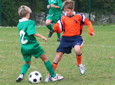 Immagini Di Calcio Per Bambini : Educazione e sport al via il torneo di calcio per i bambini di