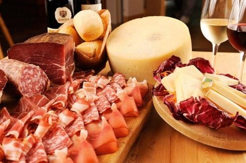 Sapori al ducale i prodotti tipici italiani in mostra in for Piatti tipici roma