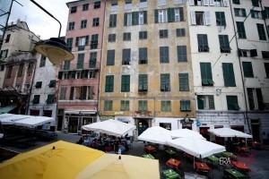 centro-storico-vicoli-piazza-delle-erbe-d2