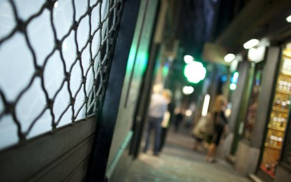 """Via Luccoli, lavori in corso: il giallo della pavimentazione """"storica"""""""