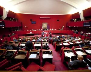 """Comune di Genova, l'opposizione """"taglia"""" 8 milioni di euro. A rischio il bilancio 2016 e la giunta Doria"""