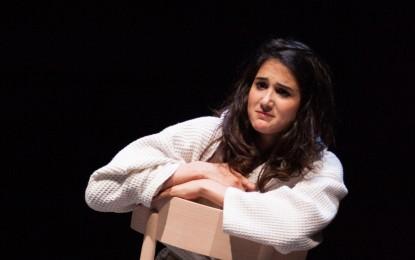 """Teatro della Tosse: lo spettacolo """"Blu"""" con Linda Caridi"""