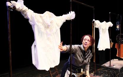 "Teatro Genova: ""Scintille"" con Laura Curino in scena al Duse"