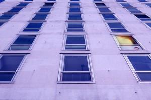 finestre-cemento-palazzi-casa-d1