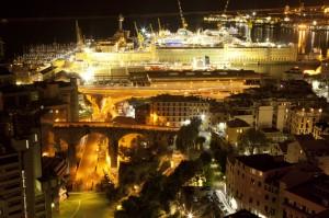 Contrasto tra vecchio e nuovo a Genova