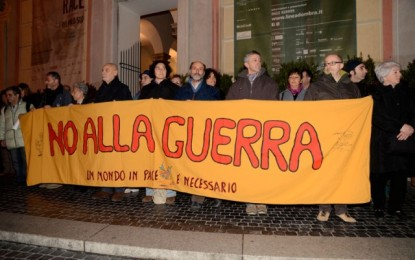 Ora in silenzio per la pace: da 11 anni presidio a Palazzo Ducale