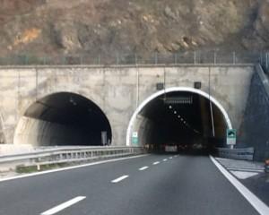 Gronda, Autostrade rilancia, ma i conti non tornano. Per Aiscat traffico A10 ancora in calo