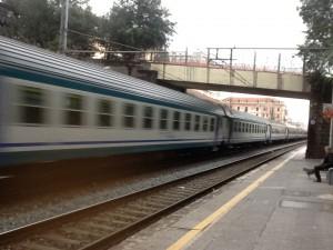 treno-ferrovia-stazione-pegli