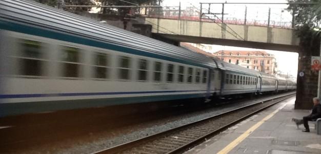 Genova-Milano, biglietto di sola andata. La città si svuota e diventa sobborgo. Davvero