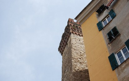 Torre Embriaci, riqualificazione al palo per una bega condominiale?