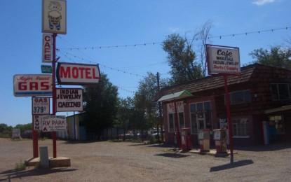 Denver, Colorado: Motel degli orrori e sparatoria, sullo sfondo i grattacieli