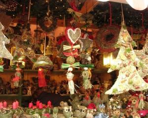 Mercatino di San Nicola: appuntamento con la tradizione in piazza Piccapietra