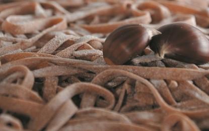 Tagliatelle con farina di castagne: ingredienti e preparazione