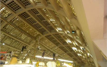 Mercato piazza Terralba: degrado e infiltrazioni, via libera al nuovo tetto