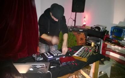 Stév al Garage 1517: acustica ed elettronica si incontrano