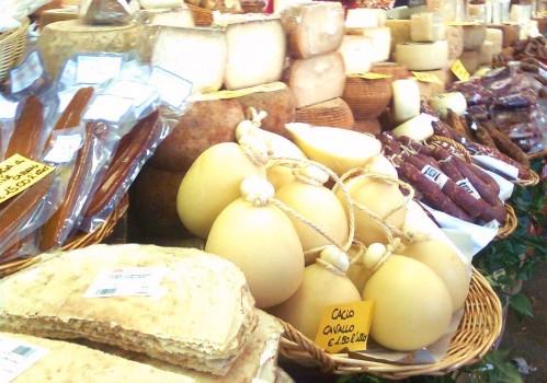Fiera di san pietro appuntamento con la tradizione nel for Prodotti tipici roma