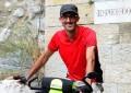 """Da Genova a Gerusalemme in bicicletta, l'ultima avventura del """"Capitano"""" Alessandro Zeggio"""
