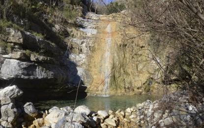 """Val Bisagno, il """"lato b"""" dell'Acquedotto Storico: viaggio fra rifiuti e discariche abusive, frane e abbandono"""
