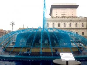 La fontana di Piazza De Ferrari blu per la giornata dell'autismo