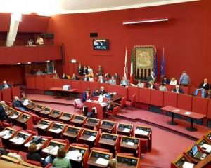Consiglio comunale, passa il bilancio ma delibera su Amiu ancora in sospeso. Domani nuova (e ultima) seduta in Sala Rossa
