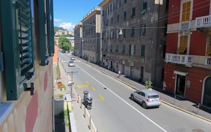 Voltri, la frana di Arenzano peggiora la crisi del commercio. Idea secondo mercato