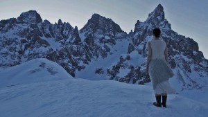 odoredelleossa-danza-neve-monti