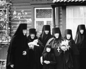 Le Repubbliche delle Donne, una fotografa laica nei monasteri