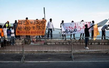 Accoglienza, l'analisi del nuovo regolamento della Prefettura. Il sociologo: «I migranti fanno paura in quanto poveri»