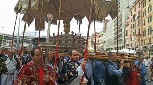 congresso-eucaristico-processione