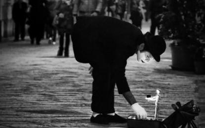 Mimo Spyro, incontro con l'artista greco dei vicoli. «Non annoiarsi è molto prezioso»