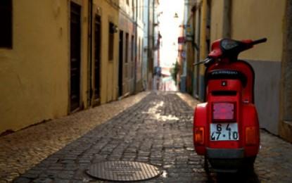 "Lisbona, la ""feira da Ladra"" e quella calda, bruttina sciarpa di lana di bianca"