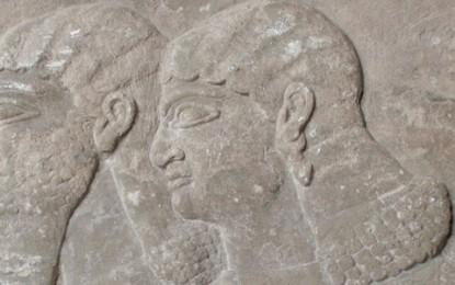 Una mostra sulle lastre assire riallestite al museo di Archeologia Ligure