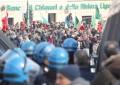 Convegno nazionalisti, quasi duemila persone al corteo di Anpi e Fiom: «Genova ha respinto questa provocazione»