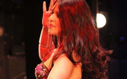 «Sentirsi straniera è un'illusione». Alla scoperta della danza orientale con Anahita Tcheraghali