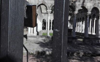 """Il Chiostro di Sant'Andrea e il lucchetto della discordia. Il cortocircuito della """"lotta al degrado"""""""