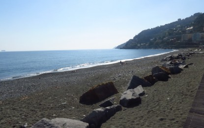 Il ponente riconquista il suo mare: Pegli verso la balneabilità, per Voltri più servizi e sicurezza in spiaggia