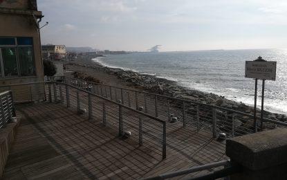La passeggiata di Voltri pronta (al 70%) entro l'estate. In arrivo le protezioni a mare?